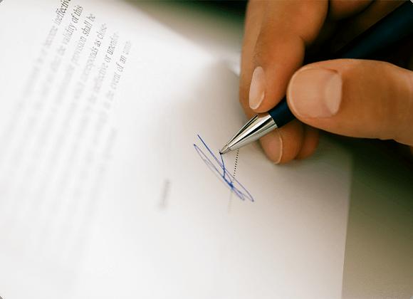 Vino în oficiu și semnează contractul